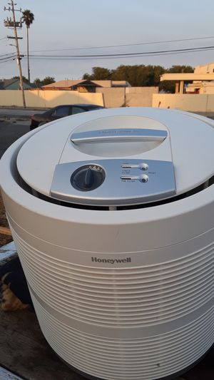 Honeywell hepa filter air purifier for Sale in Richmond, CA