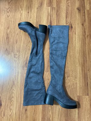 Thigh high gray boots size 6.5 for Sale in Arlington, TX