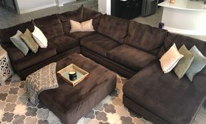 Large brown sectional with ottoman for Sale in Wesley Chapel, FL