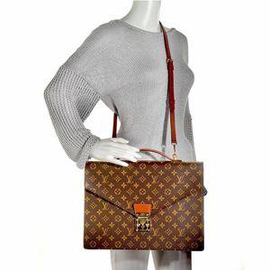100% Authentic Louis Vuitton Monogram Vintage Porte Documents Briefcase Business Bag Crossbody Bag. for Sale in Brookfield, WI