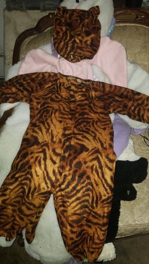 Halloween costume for Sale in Bloomington, CA