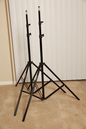Aluminum Light Stand - Pack of 2 for Sale in Los Angeles, CA