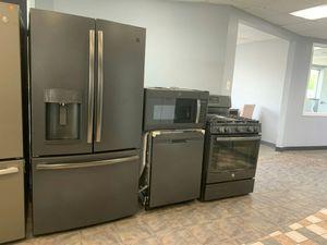 Matte GE kitchen suite for Sale in Westland, MI