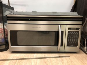 Pro Series Frigidaire stainless steel microwave with bracket for Sale in Davie, FL
