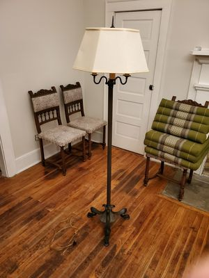 Floor lamp for Sale in Lewisburg, TN