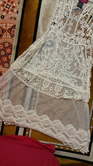 Lace dress color off white for Sale in Runnemede, NJ