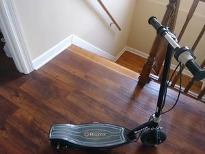Electronic Razer E100 scooter for Sale in Melrose Park, IL