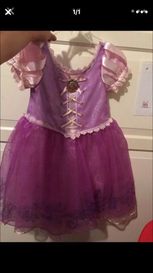 Rapunzel dress size 4t for Sale in San Diego, CA