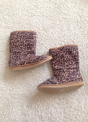 Girls cheetah print boot size 4 for Sale in Lexington, KY