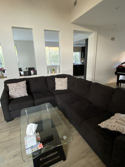 Sectional Couch 70% Off for Sale in Los Angeles,  CA