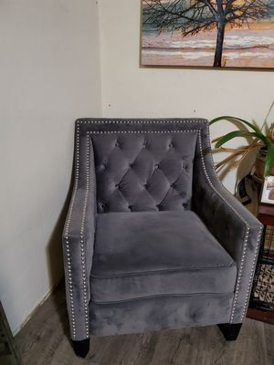Gray velvet accent chair for Sale in San Diego, CA