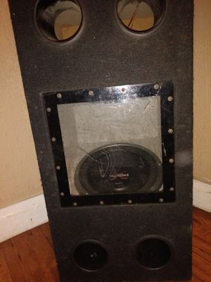 2 Sony explōd 12 inch speakers with speaker box for Sale in Orange, TX