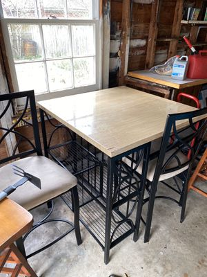 Small kitchen table w/ a wine rack and two chairs for Sale in Suffolk, VA