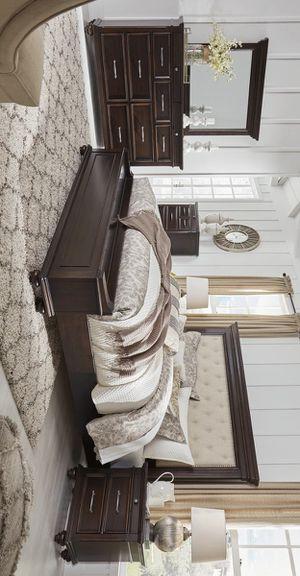 [SPECIAL] Brynhurst Dark Brown Upholstered Storage Bedroom Set for Sale in Austin, TX