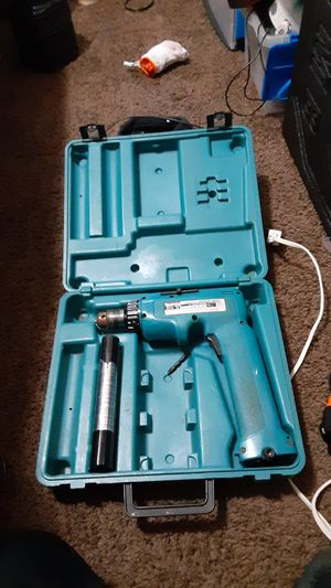 Makita cordless driver drill needs battery comes with charger for Sale in Jacksonville, FL