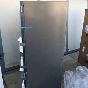 "30"" Stainless Bottom Freezer Fridge for Sale in Riverside, CA"