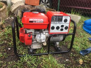 HONDA GENERATOR- [MUST SEE] Great Condition/ Works Great [850 FIRM] NO OFFERS for Sale in Miami, FL