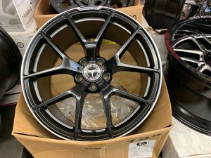 """Mercedes 18 or 19"""" amg style rims tires set for Sale in Hayward, CA"""