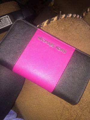 Michael Kors Wristlet for Sale in Adelphi, MD