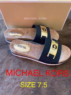 MICHAEL KORS SIZE 7.5 $75 Dlls ORIGINAL NUEVO 🎁❤️🎁 for Sale in Riverside, CA