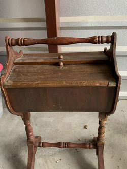 Vintage Yarn Stand for Sale in Lorena,  TX