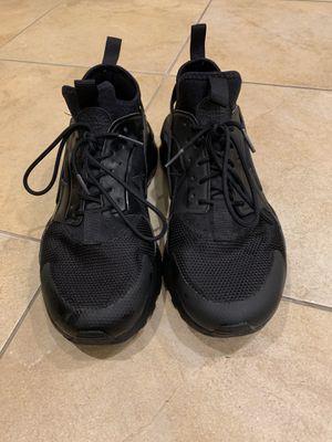 Nike Air Huarache black men's 9 us for Sale in Chantilly, VA