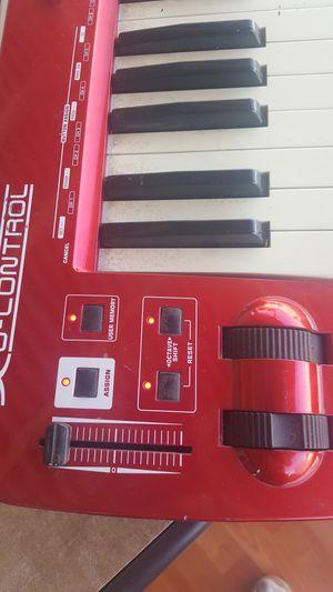 Controlador behringer 61 teclas for Sale in Santa Ana, CA