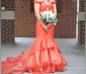 Prom dress for sale for Sale in Dexter, GA