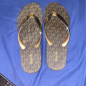 Michael Kors sandals for Sale in Queens, NY