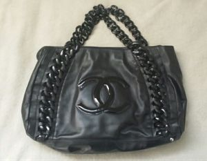 Chanel Women's Bag Purse (repaired chain) for Sale in Glendale, CA