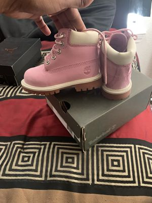 Toddler girl boots 6c for Sale in Killeen, TX