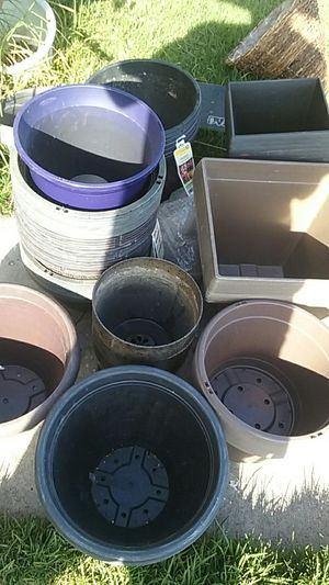 Flower pots and planters for Sale in Carson, CA