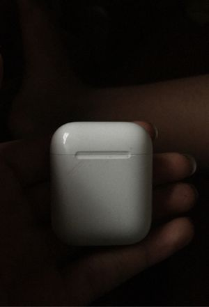 Airpods 2nd Generation for Sale in Chicago, IL
