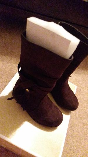 Micheal kor Girls Brown Boots size 8c $20 for Sale in Erial, NJ