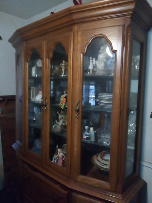 Antique China Cabinet for Sale in South Gate, CA