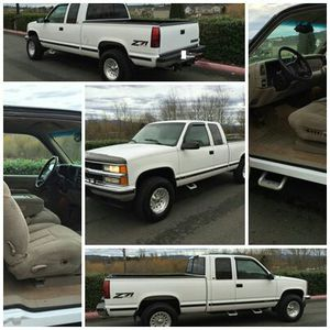1998 Chevy 1500 Silverado with only 92k mileage for Sale in Pittsburgh, PA