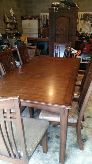 Soild wood table for Sale in Clendenin, WV