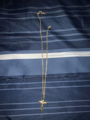 10k gold chain with Cross piece for Sale in Fort Worth, TX