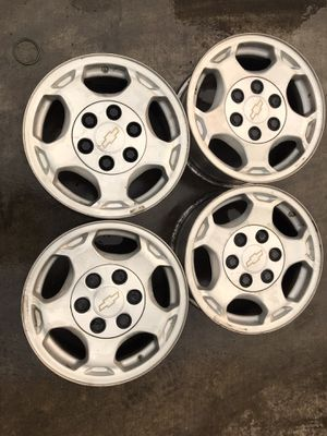 """Chevy 16"""" stock rims for Sale in Dinuba, CA"""