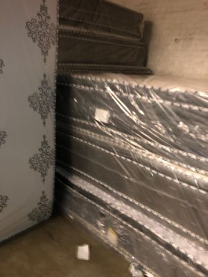 Mattress and box spring delivery available all sizes available for Sale in Barrington, IL