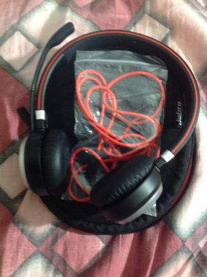 Jabra Evolve 65UC wireless headset with Link 370 USB adapter and Jabra bag for Sale in Cary, NC