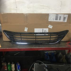 Front Grill Insert Lower Part 2013 Hyundai Elantra for Sale in Glenview, IL