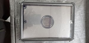 iPad otter box case gen 7 and gen 8 for Sale in Fresno, CA