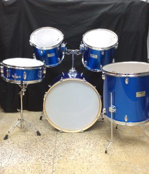 Mapex V Series 5Pc Drum Set. Bass Drum, High, Mid, and Floor Tom and Snare W/ Stand. No cymbals for Sale in Laurel, MD