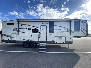 WILDWOOD HG 5th wheel Camper for Sale in Dover, FL