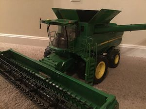 John Deere Combine Harvester for Sale in New Ipswich, NH