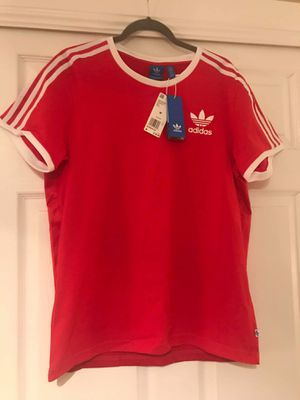 Adidas Originals Womens Tee Red Size Medium for Sale in Las Vegas, NV