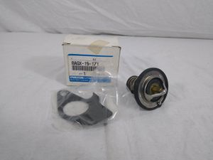 MAZDA GENUINE PART NUMBER 8AGX-15-171 | THERMOSTAT 180 °F for Sale in Cleveland, OH