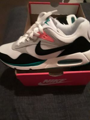 Ladies Nike Air Max for Sale in San Bernardino, CA