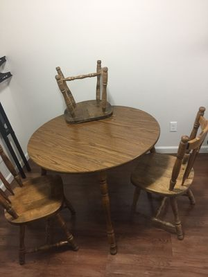 Dining table for Sale in Kaysville, UT